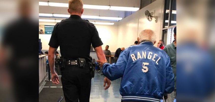 After Bank Kicks Agitated Elderly Man Out, Cop Brings Him Back to Get the Job Done